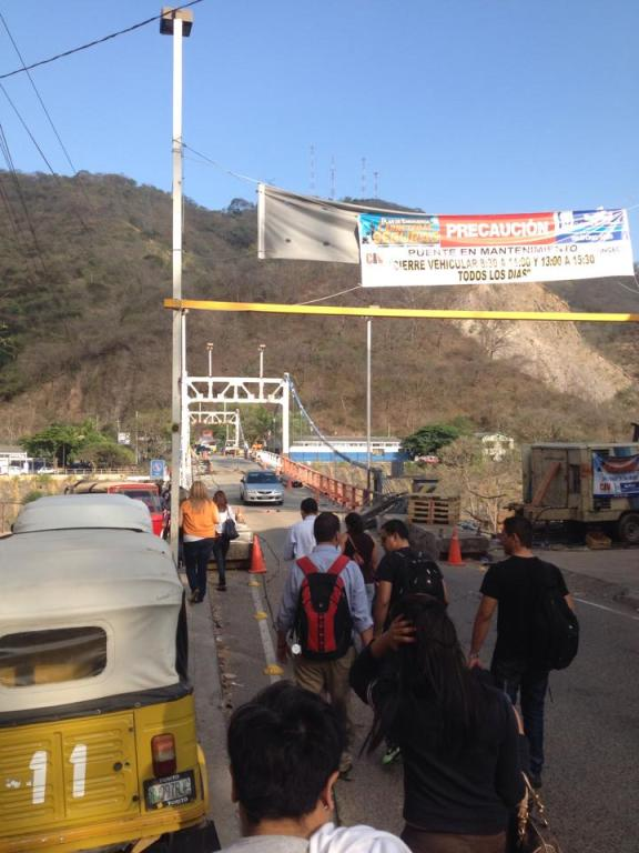 Bridge over Rio Paz (border) damaged and open to only light traffic.